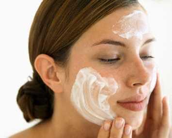 Cremas con Retinol para manchas y arrugas Dermatología