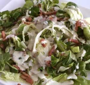 Lechuga con salsa de levadura Recetas Saludables